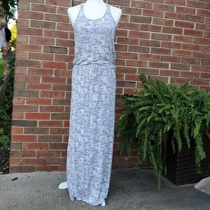 Athleta maxi dress white/gray small